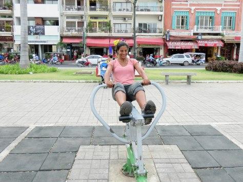 me-exercising-at-riverside-gym-6